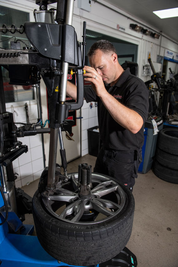 tyre-replacement